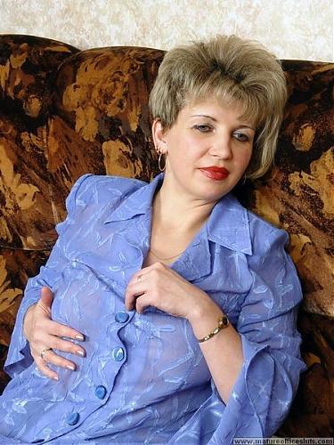 Russian mom Valentina (2000) CamRip