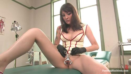 Naughty Nurse Lexi Bardot  / Lexi Bardot и КУЧА секс-машин [FuckingMachines.com]  (2008) HDTVrip