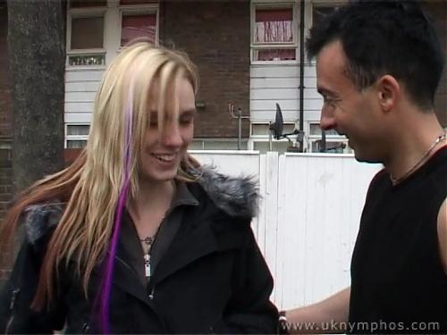 """Блондиночка-нимфоманочка  или """"Трахнешь меня?"""" (2009) DVDRip"""