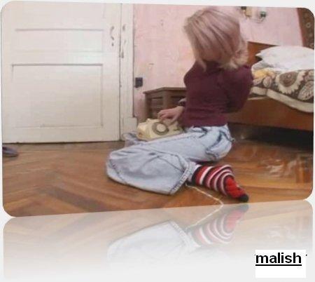 Изнасилование русской дувушки Нади дома    (2009) CamRip