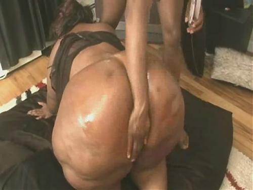Очаровательная мулатка с раскошными формами (2009) DVDRip