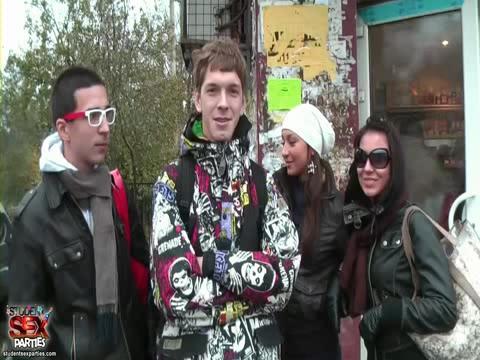 Русские студенты отмечают конец сессии на коттедже! Живое видео, с продуманным сюжетом, с диалогами. Супер вечеринка! (Разбито на 5 частей) (2009) CamRip