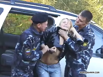 [BDSM] H1P Prostitute in hands of Police Gang - Проститутка в руках полицейских бандитов (2007) DVDRip