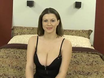 Аня с  большими сиськами (2005) DVDRip