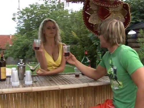 Busen Extra Spielfilm Prall und Geil Riesen Titten (2009) DVDScr