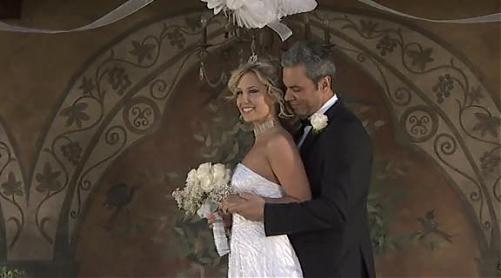 Красивейшая шлюха-жена наставляет мужу рога (2009) DVDRip