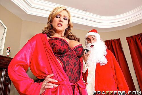 Nikki Sexx in Milk and Boobies (Brazzers.com) [Дед мороз несет счастье плохой девченке] (2009) SATRip