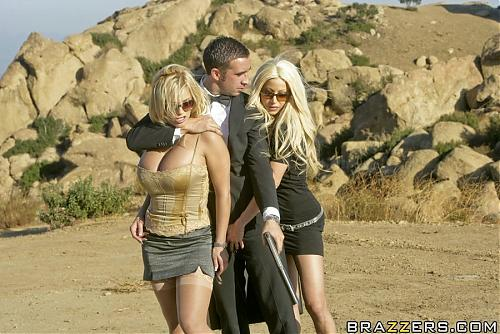 """Quantum Of Sluts (порноверсия фильма """"Кванта милосердия"""") (2008) DVDRip"""