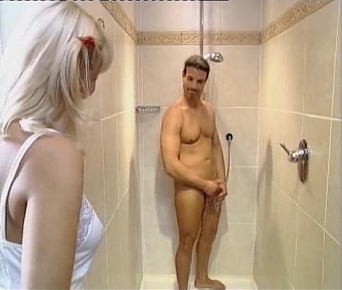 Умопомрачительный трах в ванной №62 (2006) DVDRip