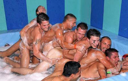 [GuysGoCrazy] Foamy Party / Пенистая Вечеринка (2008) DVDRip
