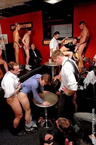 GuysGoCrazy - Dicks on Auction / Члены на аукционе (2009) HDTV