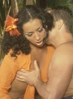 Секс с очаровательной красоткой в тени экзотических растений  (2008) DVDRip
