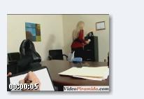 секретарша соблазняет начальника (2009) DVDRip