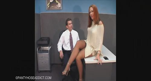 Izzy (Izzy Fuckin Around In The Office	 (2009) SATRip