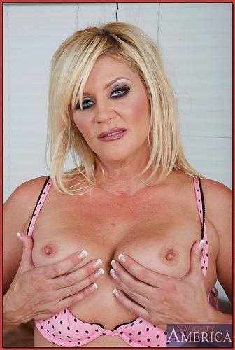 [MyFriendsHotMom.com / NaughtyAmerica.com]Ginger Lynn (2009) SATRip