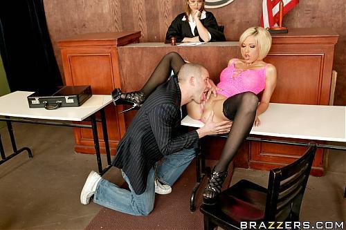 [PornStarsLikeItBig.com / Brazzers.com] Jenny Hendrix (Guilty Of Being A Slut) / В наказание дать истецу в суде (2009) DVDRip
