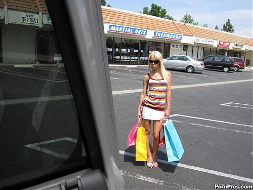 Rebecca Blue (Sleepy Shopper Gets Facial Special) (2009) SATRip