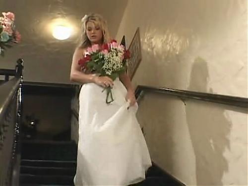 Невесточка, муж и ктото исчо.. (2009) DVDRip