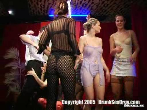 Drunk Sex Orgy - swinger party (2006) DVDRip