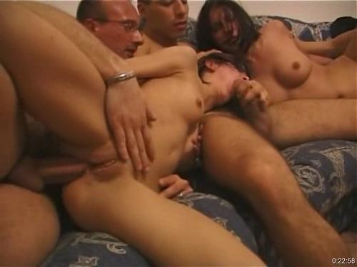 Принудительная групповуха с двумя эмочками (2008) DVDRip