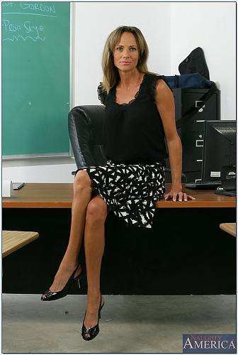[MyFirstSexTeacher.com / NaughtyAmerica.com] Montana Skye [2009 г., Hardcore, Mature (Older), Oral, Straight] (2009) SATRip