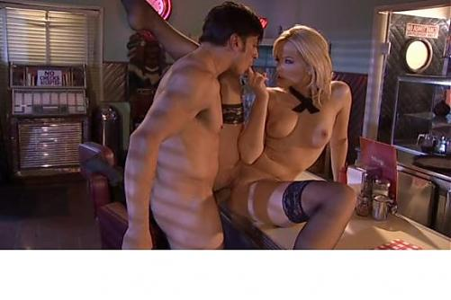 "Alexis Texas (сцена из ""Sorority Sex Scandals"") / Студенческие секс скандалы [2009 г., All Sex, Interracial, DVDRip] (2009) DVDRip"