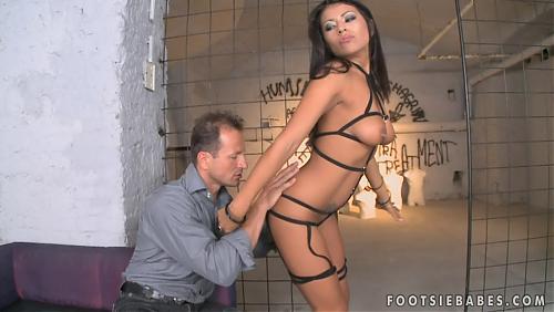 [FootsieBabes.com/21Sextury.com] Yoha & George Uhl - Kinky night! (02.01.2010) (1900) HDTV