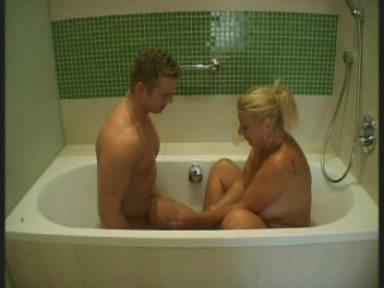 Мама и Сын инцест секс пачка (2008) CamRip