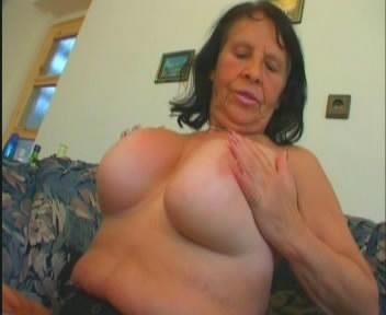 Ей 70 / Granny Nonna Vogliosa 70yo (2009) DVDRip
