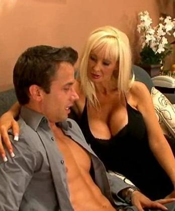 Brittany O'Neil - Горячая мама моего друга  (2007) DVDRip