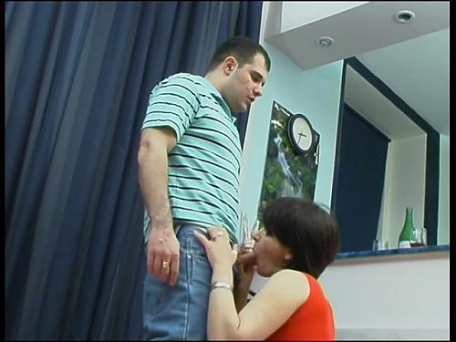 Мамаша совращает подростка (часть 2) (2008) DVDRip