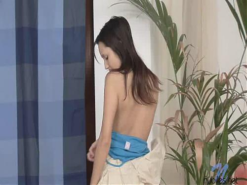 МОЛОДНЯК-Жертвы платной мастурбации !!! (2009) CamRip