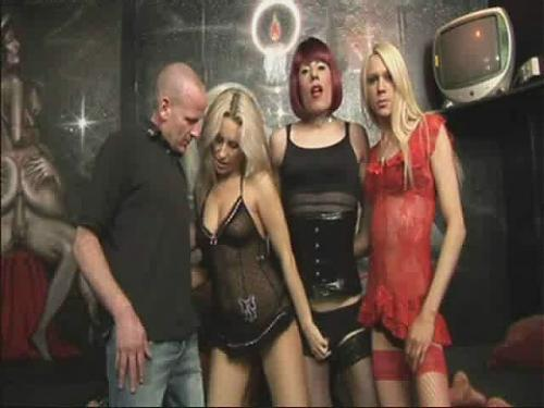 Obedience 4some / Повиновение: Мужик, Деваха, Трансвестит и Транссексуал (2009) DVDRip