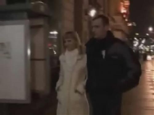 Real prostitute blows in Saint Petersburg street / Реальный миньет проститутки.Улицы Санкт Петербурга  (2010) SATRip