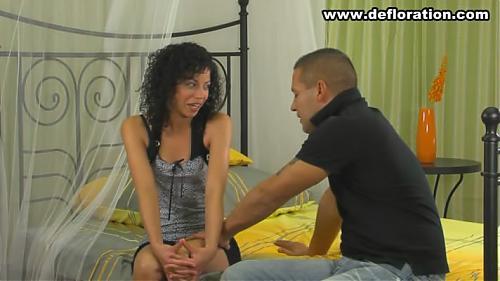 Целка Нора лишают девственности (2009) DVD