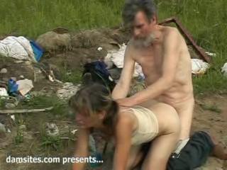Сексуальная жизнь бомжей 1ч (2006) CamRip
