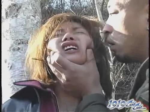 Жесть!!!! Жестокое инасилование в лесополосе. (2009) DVDRip