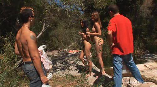 Молодые красотки на отдыхе-дали первым встречным / Meggan Malone and Renae Cruz (2010) DVDRip