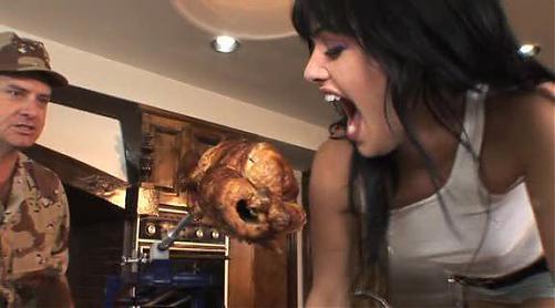Красивейшая девочка оттрахана за жратву / Sadie West (2010) DVDRip