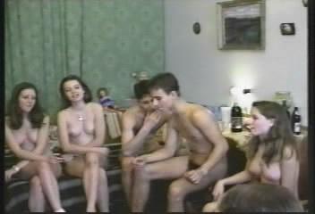 Naturist.Ciao-Ciao / Тусовка нудистов.Домашнее видео (2008) DVDRip