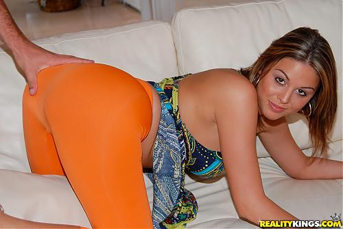 [CumFiesta.com / RealityKings.com] Nella Jay (What a treat / 03.08.10) (2010) SATRip