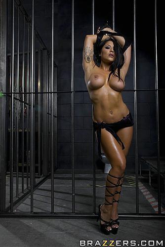 [PornstarsLikeitBig.com / Brazzers.com] Jenaveve Jolie (Rescuing A Horny Pornstar) (2010) SATRip