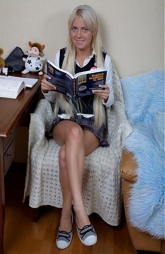 [teensexmovs.com] Chiara-2010-09-17 / Малолетка-большая любительница Анала. (2010) SATRip