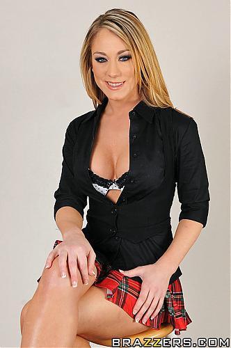 [BigTitsAtSchool.com / Brazzers.com] Amber Ashlee (Sassy Bitch / 01.02.11) / Школьница соблазнила фотографа [Big Tits, Blowjob, Hardcore, Red Head] (2011) SATRip