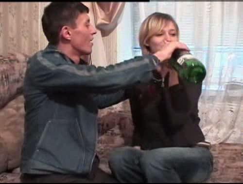 После пузыря сухого русская малолетка сама раздвинула ножки