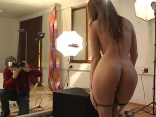 Обалденная моделька отказалась фоткаться, пока её не трахнут
