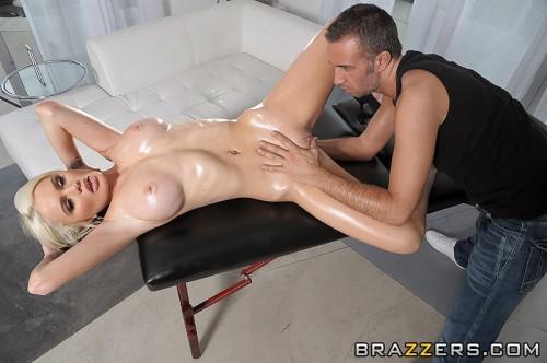 Кокетливый массажист