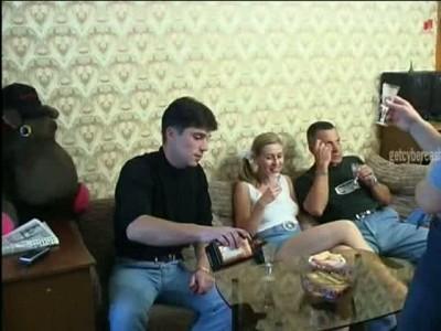 Опытная пара делится опытом с молодёжью