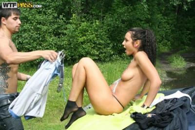 Трахнул на пикнике выпившую подружку