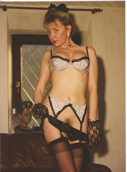 Fiona Cooper V359 Pamela